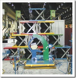 herkules mountain of air lift tables for the material handling trade show display v0089_01